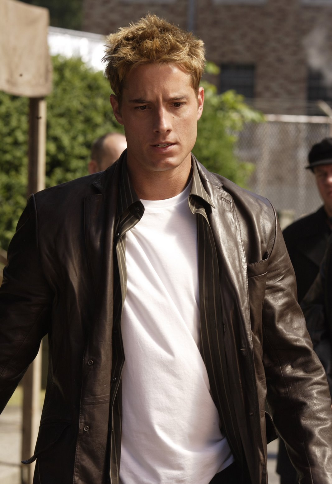 Justin Hartley - Images Hot